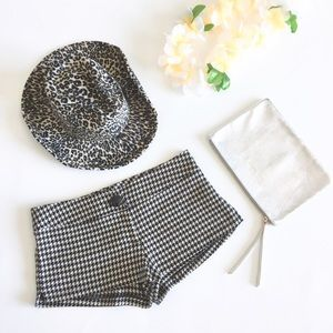 🖤 Charlotte Russe ❃ Festival Houndstooth Shorts ❃